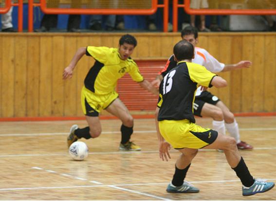 برگزاری مسابقات فوتسال جام فجر در رودسر