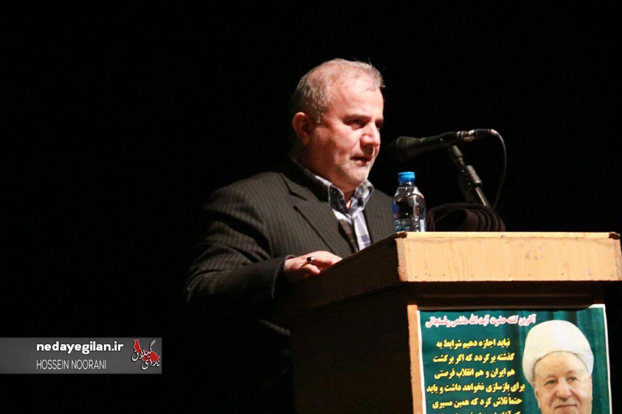 ذی نفعان تحریم چوب لای چرخ دولت می گذارند/محکمتر از گذشته روحانی را حمایت می کنیم/هاشمی به تیم رسانه ای دولت انتقاد داشت/به کم کردن رای روحانی راضی شدند