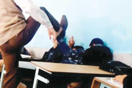 ماجرای فرو کردن مداد در سر دانش آموز رودباری توسط معلم خشن +عکس