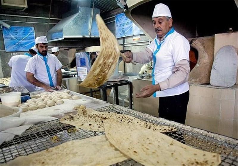 آرد دولتی نباید در نانوایی های آزادپز پخت شود