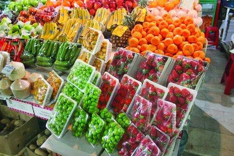 برپایی نمایشگاه های بهاره با حضور ۳۰۰ واحد صنفی در گیلان/۱۴۰۰ تن میوه برای شب عید ذخیره می شود
