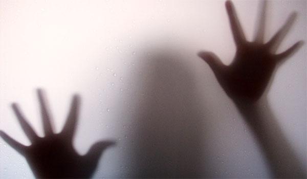 مرگ مشکوک دختر 20 ساله هنگام قرار نامشروع شبانه/دختر جوان میخواست شب را در خانه مرد غریبه سر کند