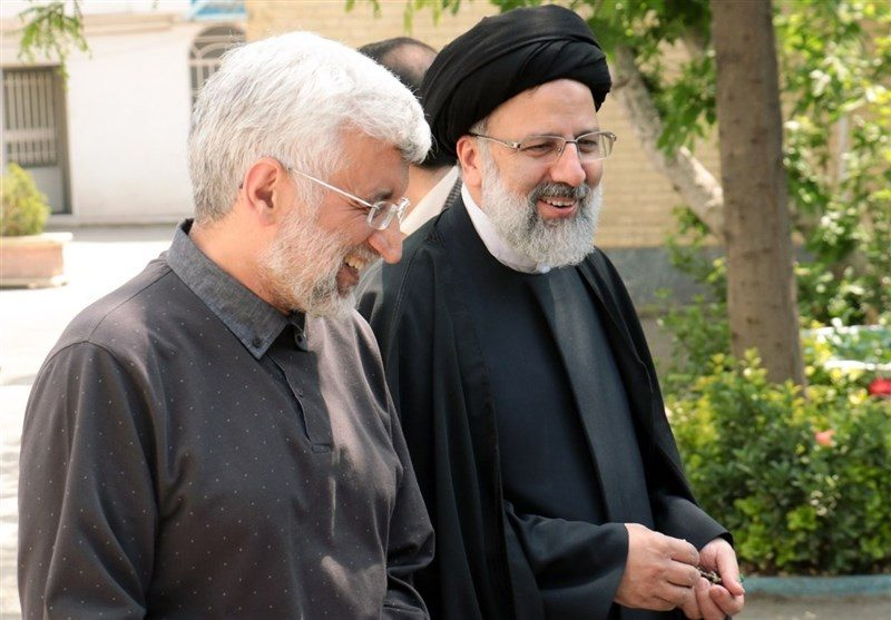 احتمال ورود سعید جلیلی به مجلس برای کنار زدن قالیباف/حامیان رئیسی فعالیت انتخاباتی را شروع کردند