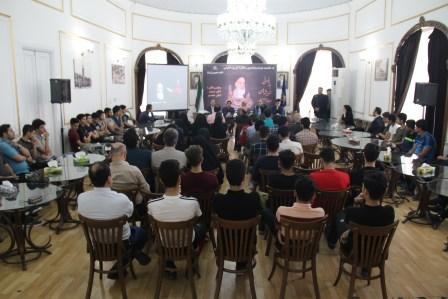 نشست بازخوانی اندیشه های امام در تالار گفتگوی شهر رشت