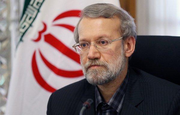 لاریجانی در چه صورتی کاندیدا می شود؟/تمایل اصولگرایان و اصلاح طلبان برای قراردادن لاریجانی در اردوی خود!
