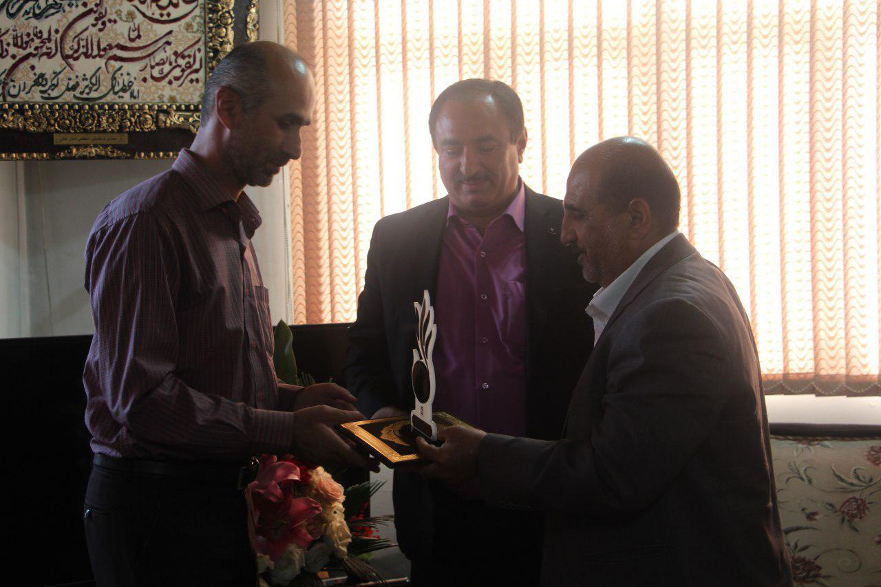 دیدار سرپرست شهرداری و اعضای شورای شهر رشت با جانباز حادثه تروریستی مجلس