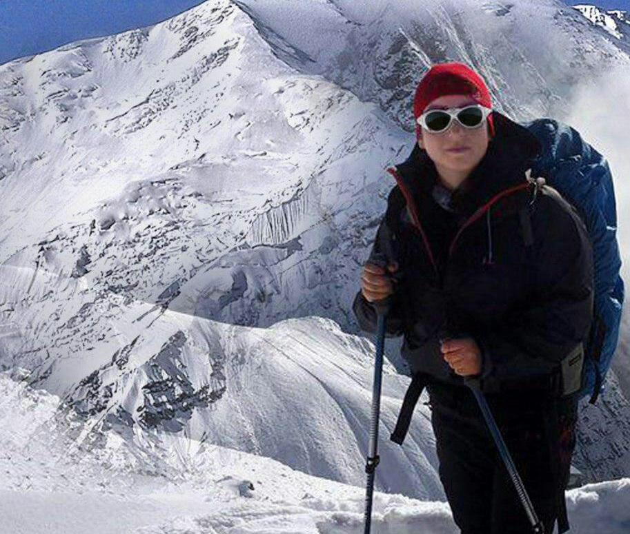 صعود بانوی کوهنورد لنگرودی به قله 7 هزار متری لنین