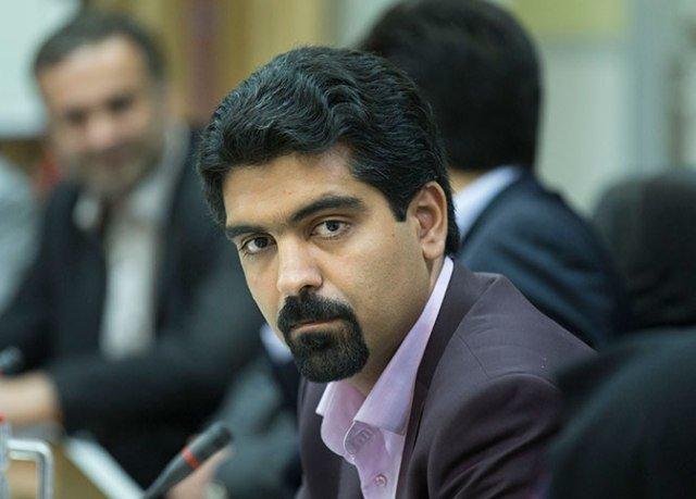 ماجرای تعلیق فعالیت عضو زرتشتی شورای شهر یزد چیست؟