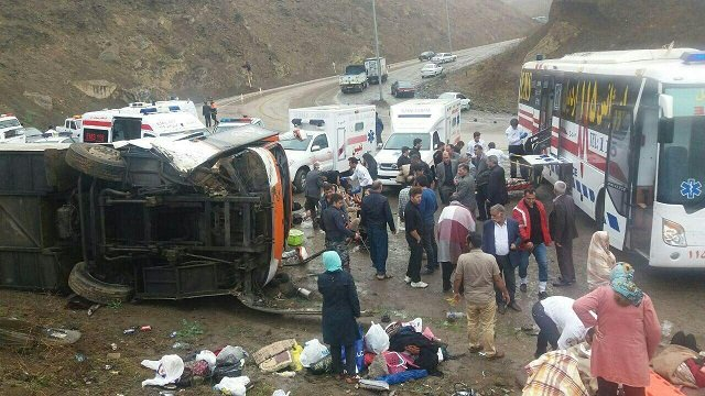 واژگونی یک دستگاه اتوبوس در جاده اردبیل به آستارا/احتمال مصدومیت بیش از 20 نفر