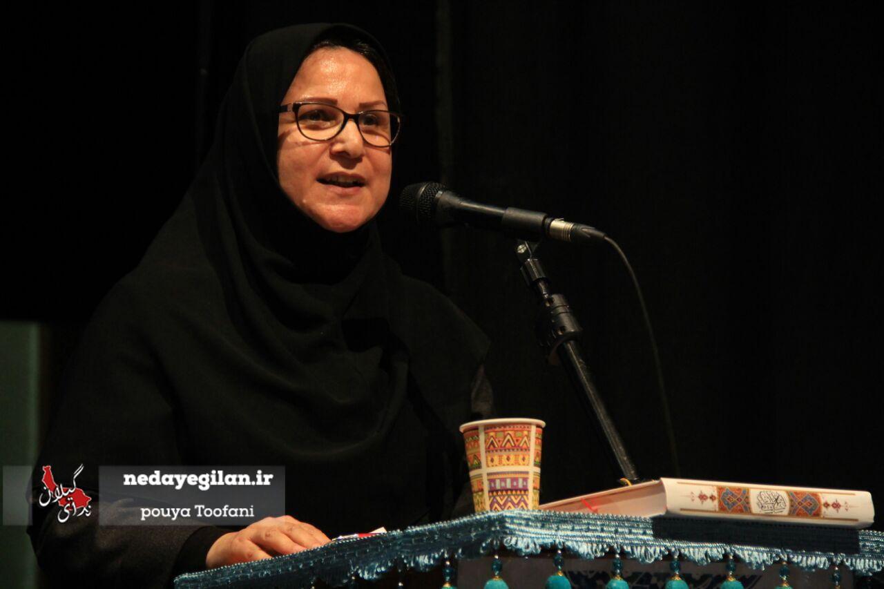 حساس خواه:همسرم برای اینکه بتوانم ادامه تحصیل بدهم از شغل خود استعفا داد/پس از انقلاب به ایران برگشتم و خانه دار شدم/انسان ها باید ارزش خود را فارغ از جنسیت درک کنند