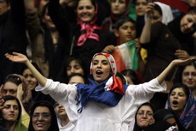 رسیدگی به پرونده حضور زنان در ورزشگاه در شورای عالی انقلاب فرهنگی