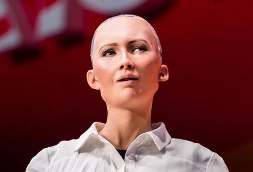 سوفیا، اولین رباتی که شهروند شد/تشخیص تمایز انسان و ربات سخت می شود!