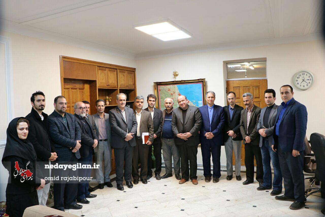 گزارش تصویری جلسه اصحاب فرهنگ و هنر رودسر با فرماندار شهرستان