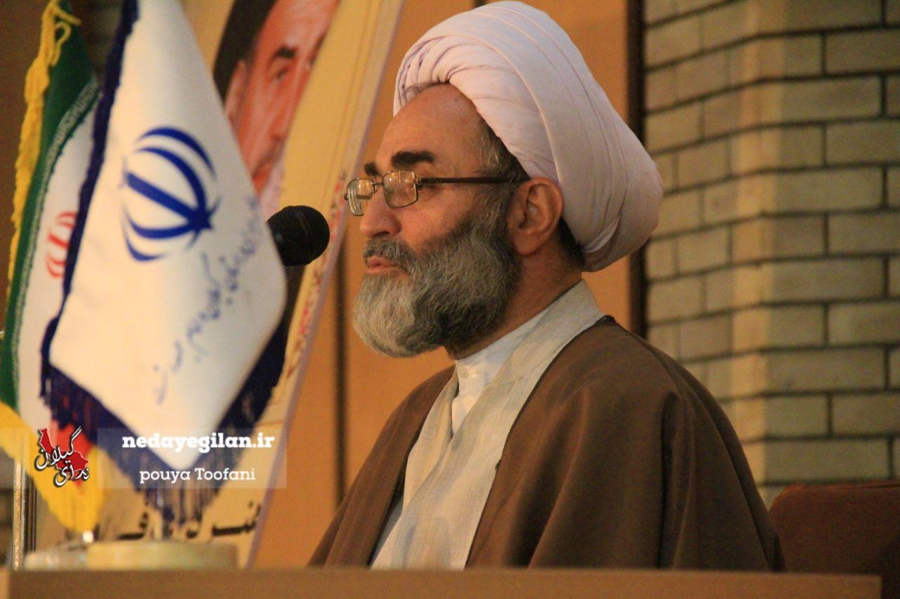 برخی از افراد خود را طلبکار نظام میدانند/ دشمن از منابع انسانی ایران هراس دارد