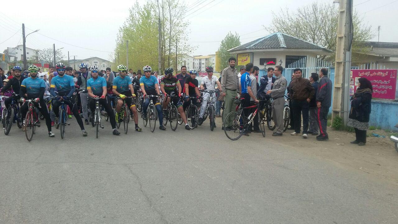 همایش دوچرخه سواری در رودسر برگزار شد