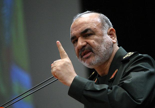 اگر از موشک های ما می ترسند به پناهگاه بروند در آمریکا ۴۱ میلیون انسان گرسنه هستند اما در ایران نه