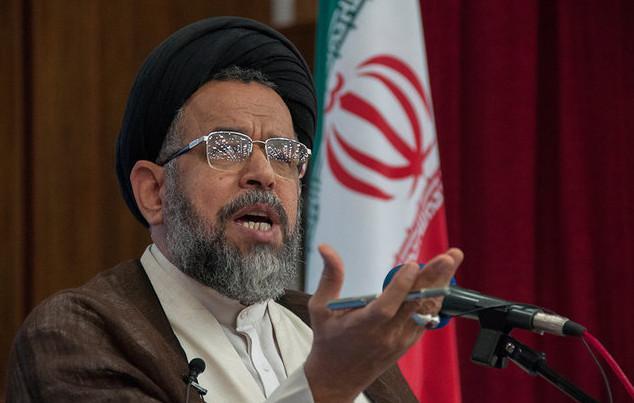 عده ای در فضای مجازی به خدمتگزاران انقلاب اسلامی تهمت میزنند/ نمی توان ادعای انقلابی و ولایی بودن داشت ولی دروغ پراکنی کرد