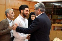 گزارش تصویری دیدار استاندار گیلان با علیرضا جهانبخش