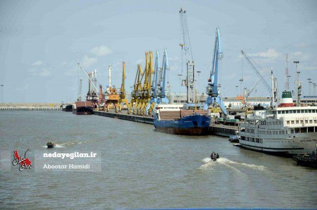 آب های سرزمینی ایران در دریای خزر در حال کاهش است/بنادر شمال ایران از کار می افتند؟