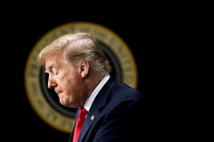 صدور حکم تاریخی دادگاه علیه ترامپ و اجبار وی به حضور در کنگره/احتمال درگیرشدن پامپئو و بولتون در جریان تحقیقات «اوکراین گیت»
