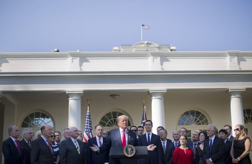 تهدید به حمله نظامی و دعوت به مذاکره/رویکرد جدید کاخ سفید در قبال ایران چیست؟