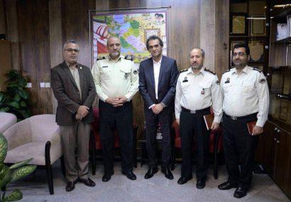 گزارش تصویری دیدار مدیر شهرداری منطقه 4 رشت با فرمانده نیروی انتظامی گیلان به مناسبت هفته نیروی انتظامی