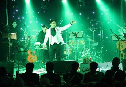 """مردم ما موسیقی را بسیار حرفه ای می شنوند خواننده آهنگ های""""ایران من""""و """"زیارت"""" از حال و هوای موسیقی پاپ می گوید"""