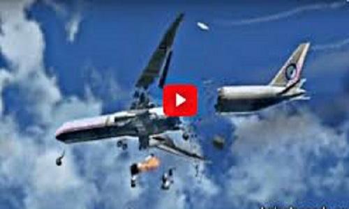فیلم:سقوط هواپیما بر روی سقف یک خانه با 7 کشته و زخمی