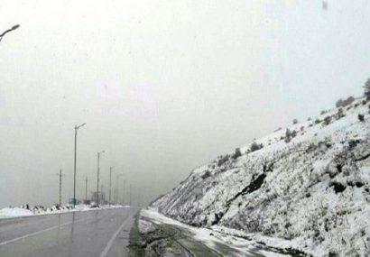 بارش برف در ارتفاعات گیلان /گردنه حیران و اولسبلنگاه سفید پوش شد