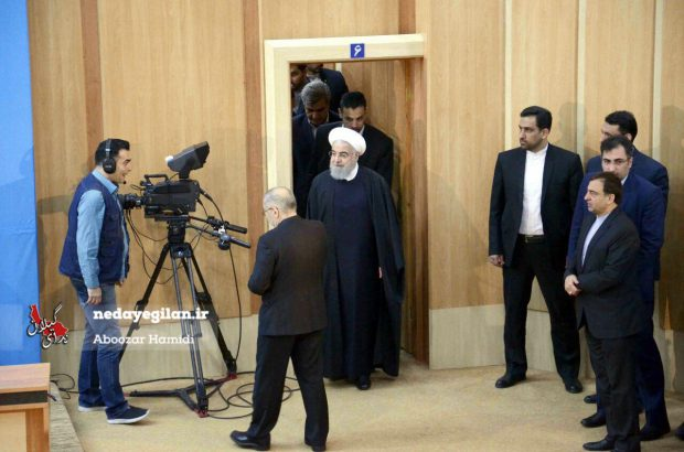 اگر دولت آمریکا جای روحانی بود تا حالا دوام نمیآورد/شانس روحانی بود که زلزله، تحریم، سیل و کرونا پشت سر هم می آیند!