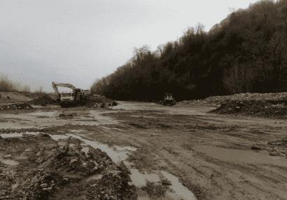 شروع عملیات ساماندهی رودخانه های شهرستانهای فومن و شفت