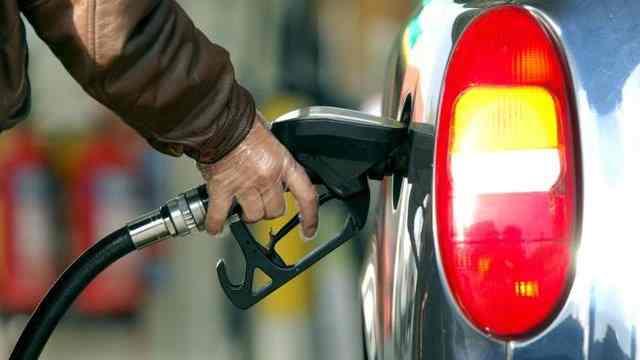مجلس مخالف افزایش قیمت بنزین است