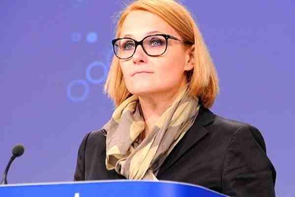 اتحادیه اروپا به تحریمها علیه ایران نمیپیوندد/اینستکس نیاز به زمان دارد