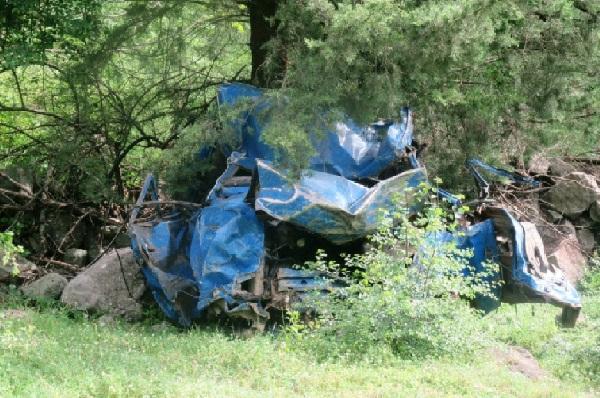 سقوط وانت نیسان به دره در رودسر/راننده جان خود را از دست داد