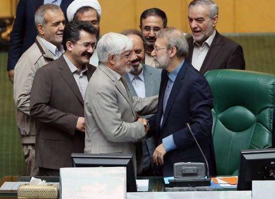 آیا لاریجانی در سال آخر از ریاست مجلس کنار می رود؟/احتمال کنار گذاشتن مطهری از تعرفه فراکسیون امید برای هیات رئیسه