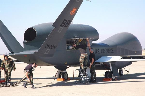 سرنگونی پرنده جاسوسی آمریکا در استان هرمزگان/شکار پهپاد گلوبال هاوک در آسمان ایران