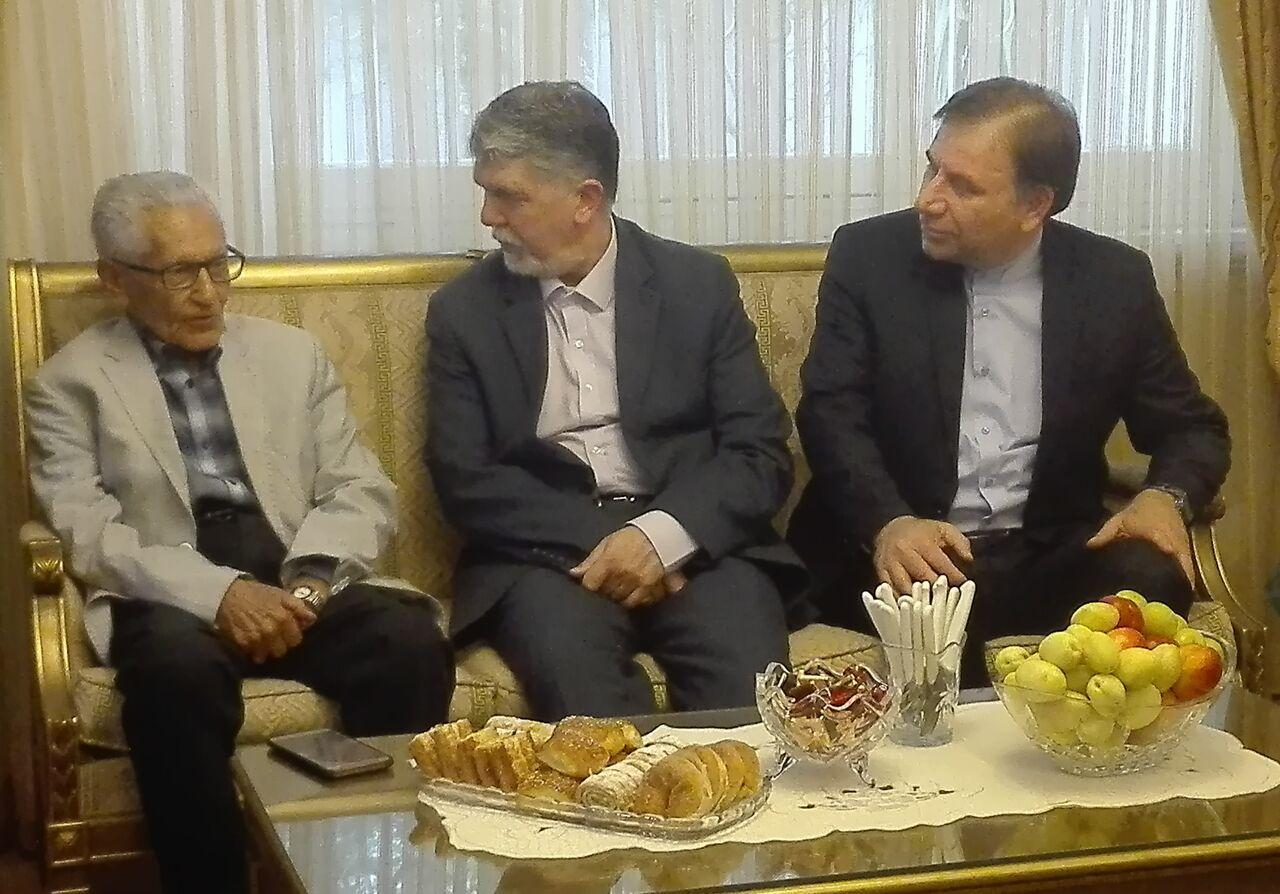 شما باعث افتخار مردم ایران هستید /خانه هویتی – تاریخی فرخ به خانه ادبیات تبدیل می شود