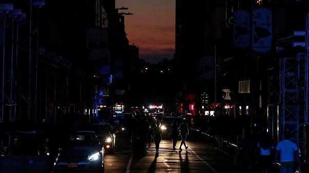 قطع برق نیویورک را فلج کرد+فیلم