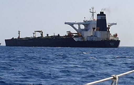 چرا انگلستان نفت کش ایرانی را از توقیف خارج نمی کند؟/نفتکش ایرانی به اروپا می رفت یا سوریه؟
