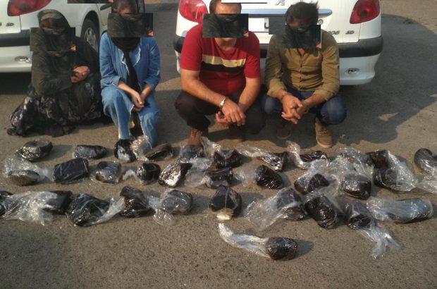کشف 50 کیلو تریاک در منجیل/دو قاچاقچی زن دستگیر شدند
