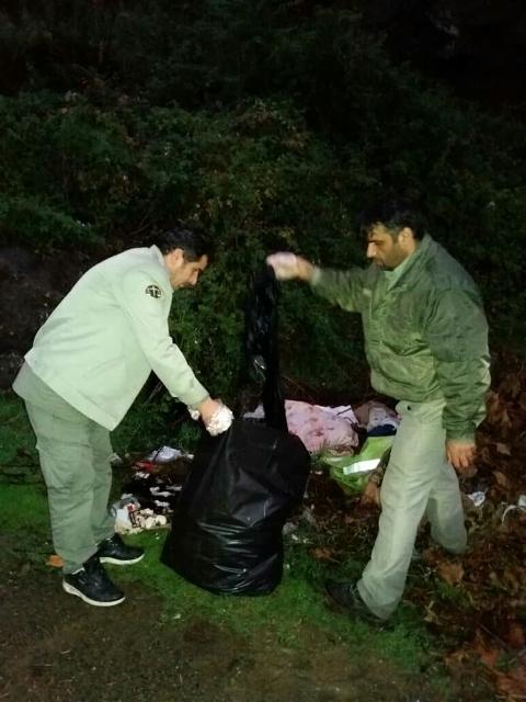 پاک سازی تالاب استیل از زباله