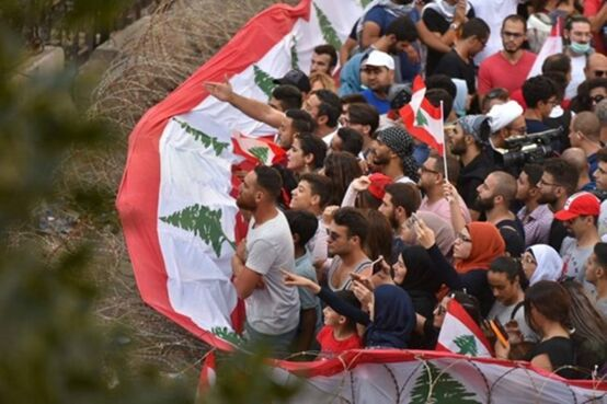 دلیل اعتراضات گسترده در لبنان چیست؟/جدال احزاب برای سوار شدن بر موج اعتراضات مردمی