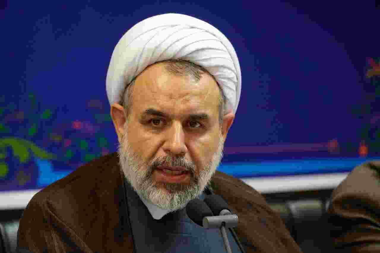 انتقاد عضو مجمع تشخیص مصلحت نظام به تبلیغ هولوشو بدم! لیموشو بدم!