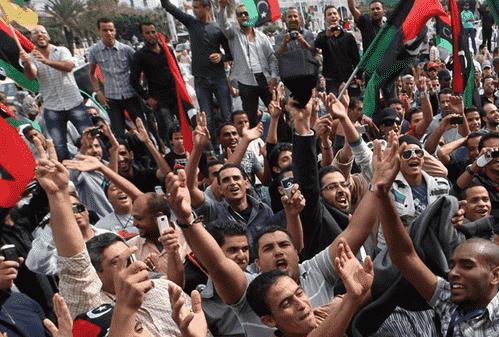 لیبی در آستانه تبدیل شدن به لانه جدید تروریست ها/انقلاب براندازان لیبیایی چگونه توسط خارجی ها و ژنرال ها مصادره شد؟