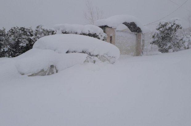شناسایی ۵۰ نقطه آسیب پذیر گیلان در بارش شدید برف/احداث پایگاه راهداری در ۶ محور برفگیر استان