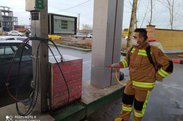 ضدعفونی معابر و مکان های عمومی شهر لنگرود/عابربانک ها و نیمکت ها پاکسازی شد