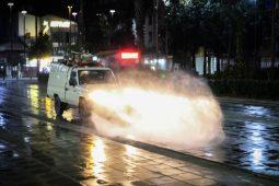 گزارش تصویری ضدعفونی کردن مناطق حساس شهر رشت برای مقابله با ویروس کرونا