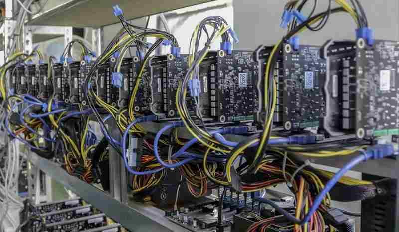 کشف ۵۰ دستگاه استخراج ارز دیجیتال از یک شرکت کشاورزی در رشت