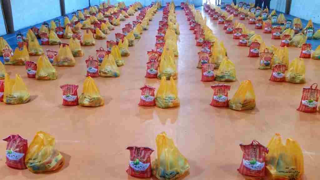 ۴۰۰ بسته معیشتی بین نیازمندان رشتی توزیع شد