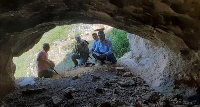 کشف شگفت انگیز پناهگاه انسان های اولیه در املش!